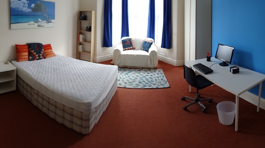 Double bedroom 1 AVAILABLE £95/week