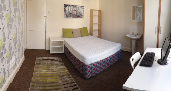 Double bedroom 3 AVAILABLE £90/week