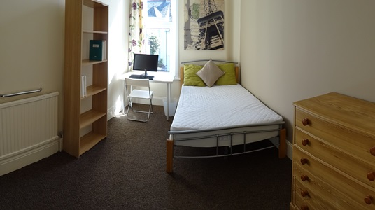 Double bedroom 7 AVAILABLE £80/week