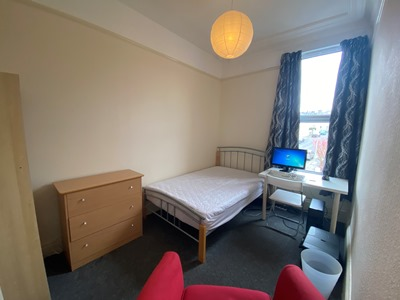 Double bedroom 2 AVAILABLE £91/week