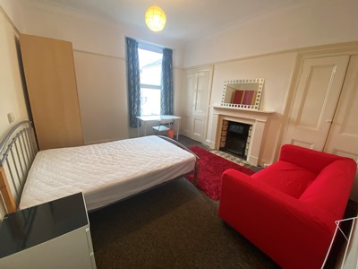 Double bedroom 3 AVAILABLE £101/week