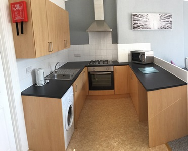 Kitchen - 1-bed student flat